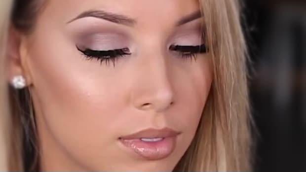 Maquillage Soigne Comment Faire Lepetitannuaire Com Media Generaliste
